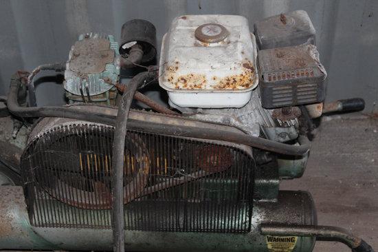Air Compressor 8 Gal Twin Tanks