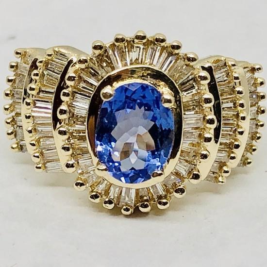 14KT YELLOW GOLD TANZANITE & DIAMOND RING