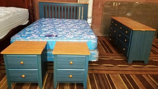 QUEEN (4) PIECE BLUE BEDROOM SET W/ MATT & BOX FROM LOCAL ESTATE