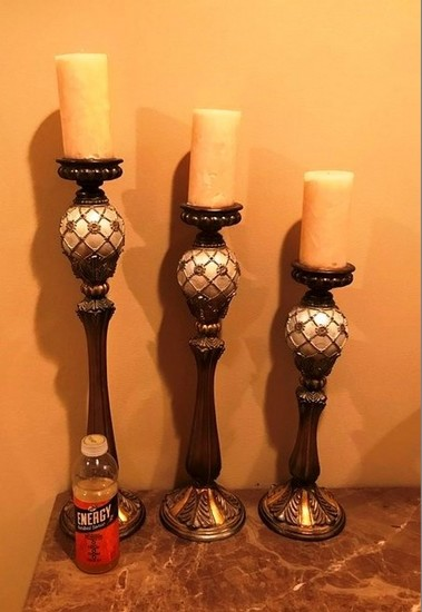 LOT OF THREE HOME DCOR CANDLEHOLDER W/ CANDLES