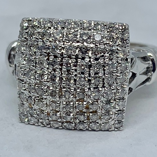 14KT WHITE GOLD 1.50CTS DIAMOND RING
