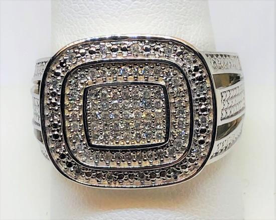 10KT YELLOW GOLD MEN'S DIAMOND RING 8.7GRS