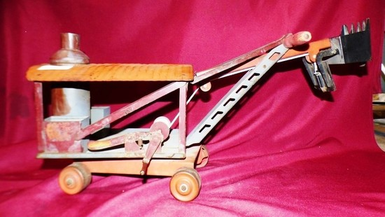 "22"" LONG ANTIQUE TRUCK TOY"