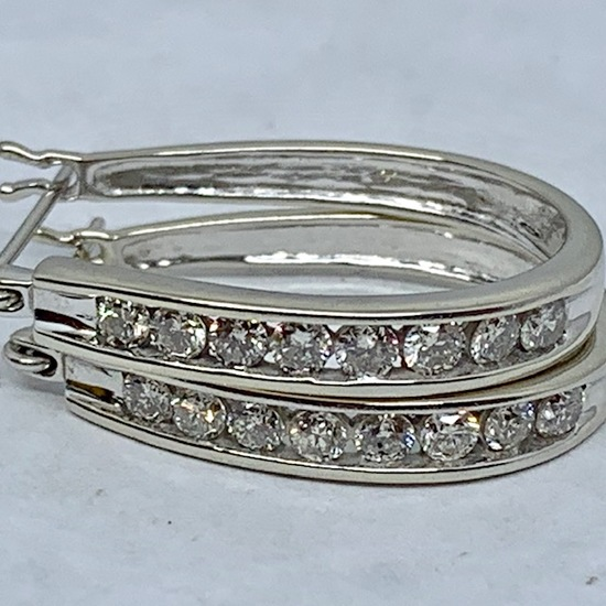 14KT WHITE GOLD .65CTS DIAMOND EARRINGS