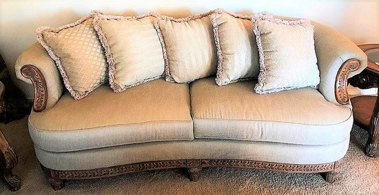 BEAUTIFUL SINGLE CUSTOM MADE SOFA W/ PILLOWS BY SCHNADIG