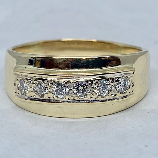 14KT YELLOW GOLD .60CTS MEN'S DIAMOND RING