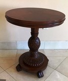 ADORABLE ROUND TOP PEDESTAL LAMP TABLE
