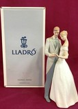 LLADRO ELEGANT COUPLE WITH BOX