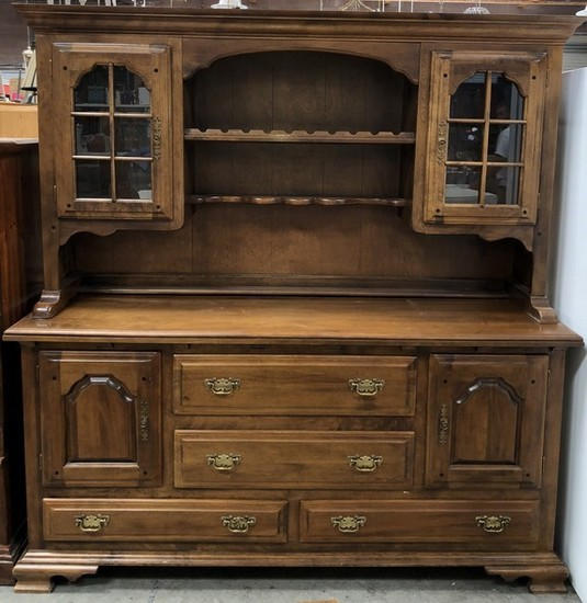 2PC MAPLE EARLY AMERICAN TEMPLE-STUART FURNITURE HUTCH CABINET