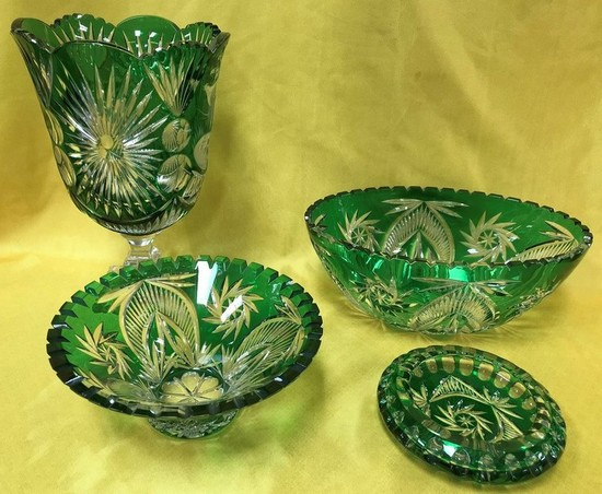 SET OF (4) GREEN  CRYSTAL PIECES
