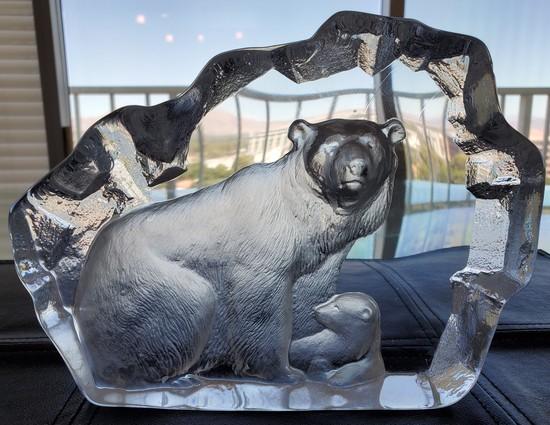 SIGNED POLAR BEAR GLASS ARTWORK