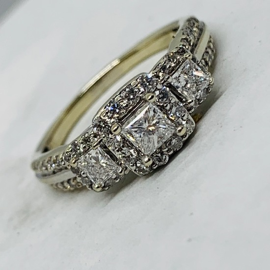 14KT WHITE GOLD 1.45CTS DIAMOND RING
