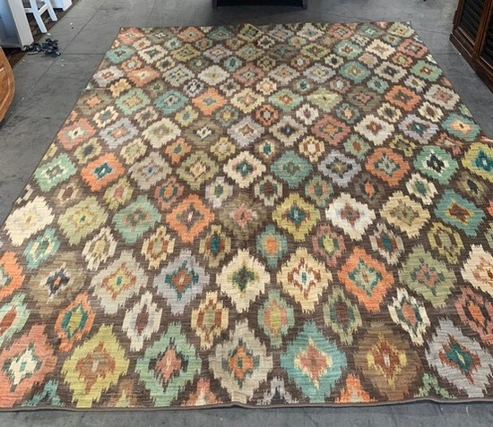 NEW 9X12 AREA RUG - RETAILS FOR 1199.00