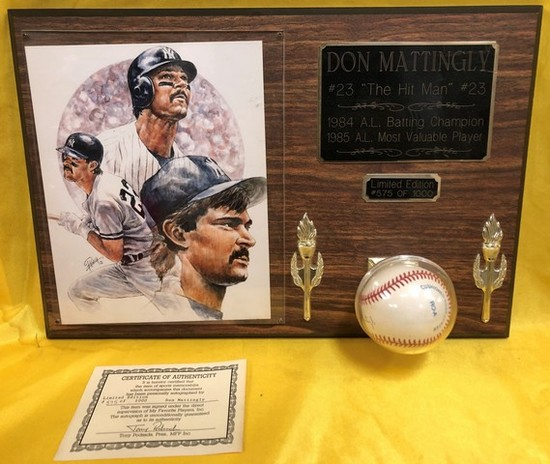 MLB WALL PLAQUE - SIGNED BASEBALL W/ CERTIFICATE