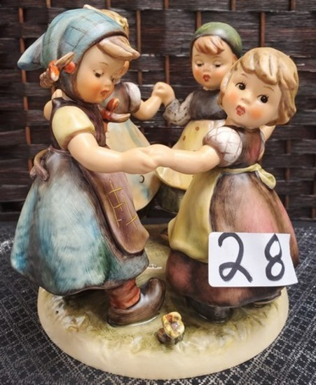 GIRLS IN CIRCLE HUMMEL FIGURINE (#26) SEE PICS FOR DETAILS