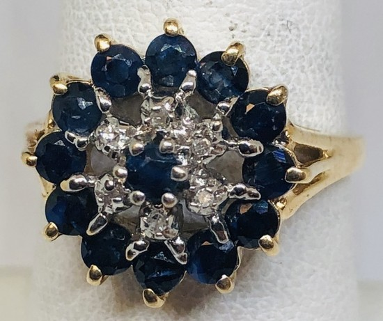 14KT YELLOW GOLD BLUE SAPPHIRE AND DIAMOND RING 3.5GRS