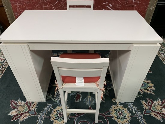 WHITE ARTS & CRAFTS WORK BENCH TABLE W/ 2 STOOLS