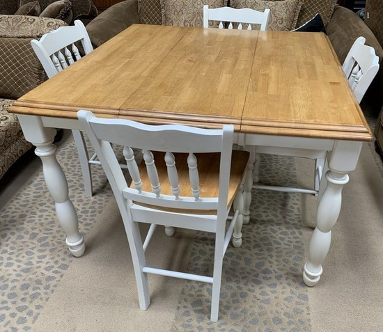 QUALITY THICK LEG COUNTER HIGH TABLE & 4 BARSTOOLS