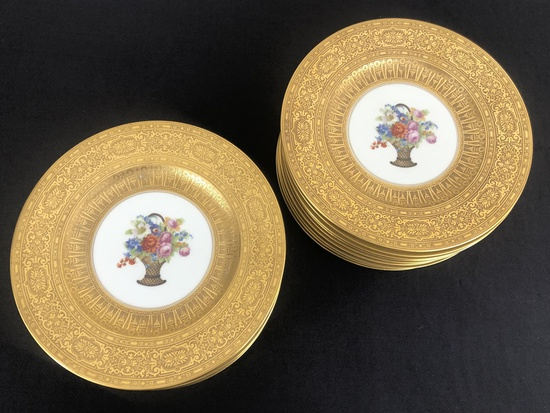 Set Of 18 Hutchenreuther Bavaria Service Plates - Gold Encrusted Border W/