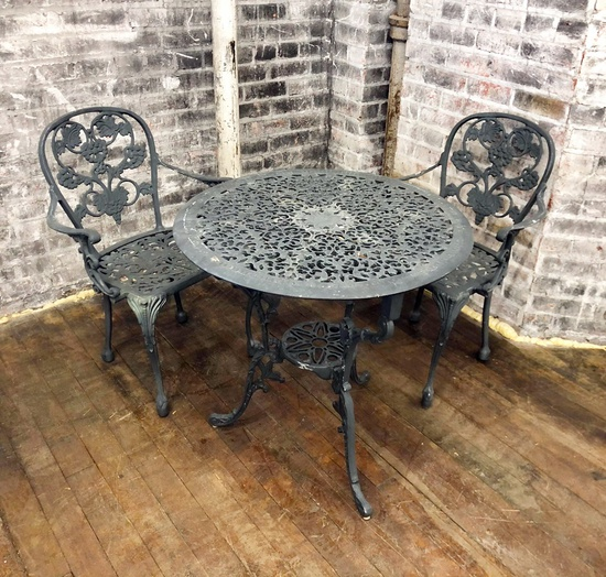 "Vintage Cast Aluminum Bistro Set W/ 2 Chairs - Table 28"" Dia. - LOCAL PICKU"
