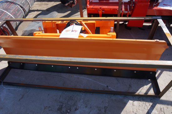 """NEW / UNUSED SP220 blade, 86"""" w/ hydraulic angle, quick tach melroe hook up"""