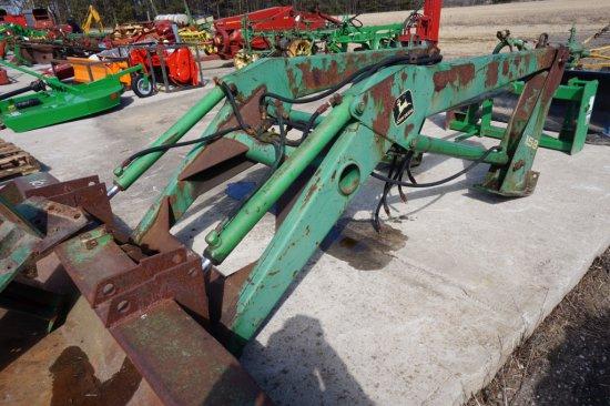 John Deere 158 loader w/ 7' bucket
