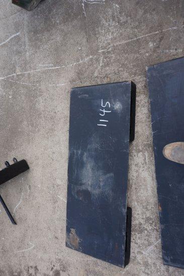 "Tomahawk skid steer mount plater, 45"" wide"