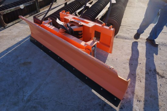 """UNUSED SP220 blade, 86"""" w/ quick tach melroe hook up, hydraulic angle, trip springs"""