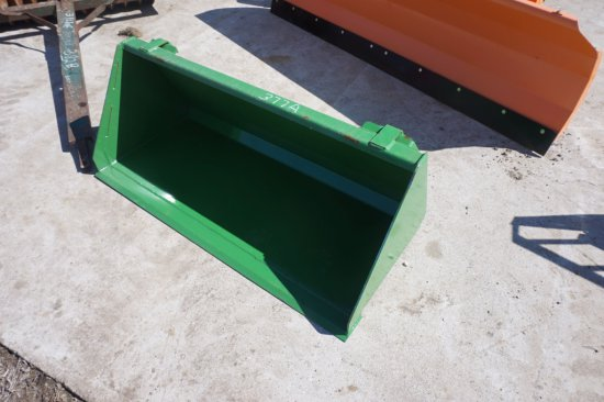 """UNUSED material bucket, 50"""" w/ John Deere-style quick connect"""