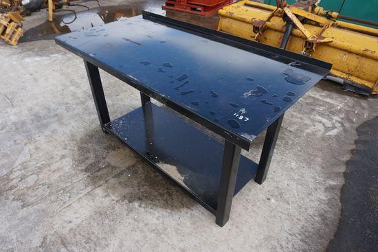 Heavy Duty Work Bench With Shelf