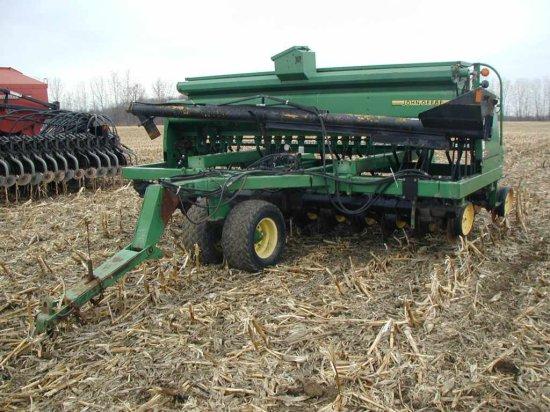 John Deere 750 Notill Caster Wheel Grain Drill;