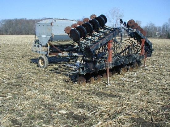 Hiniker 4800 30' Width Air Seeder;