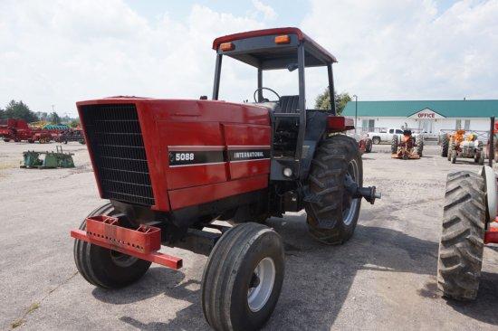 1983 Int'l 5088 diesel w/ 2WD