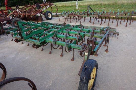 John Deere 940 S-tine cultivator