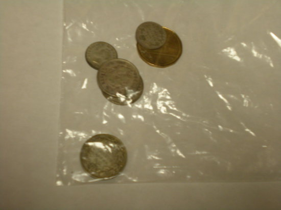 Very Collectible Canadian coins 1901 silver 5 cent, 1932 1938 10 cent, 1920, 1937, 1938 25 cent, 198