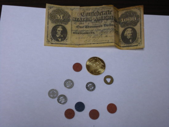 Different tokens 1965 Minnesota Twins sponcer coin plus a reprint Confederate note advertiser