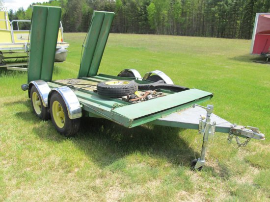 HM custom trailer to fit tractor or others, painted JD green, single axle