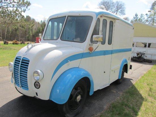 1957 Dodge Divco Snub-Nosed Van (Milk/Ice Cream Truck), 350