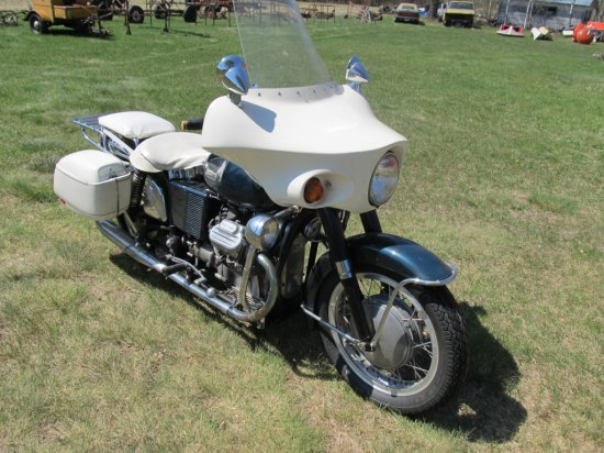 1971 Moto Guzzi V7 750 motorcycle, one owner w/38,545 on odometer, complete,runs & drives. Windshi
