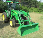 Large Tractor Auction Collector Cars & Implements
