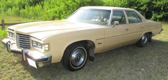 1976 Pontiac Catalina 4 Door Sedan V8 Leather Interior w/CB 34,000 Miles Excellent Condition