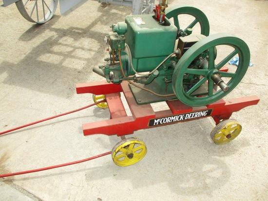 IH McCormick Deering 1.5 HP Staionary Engine On Steel Wheel Cart Engine Loose