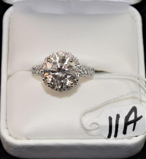 """CRÈME DE LA CRÈME """"385CT"""" DIAMOND HALO 18K RING"""