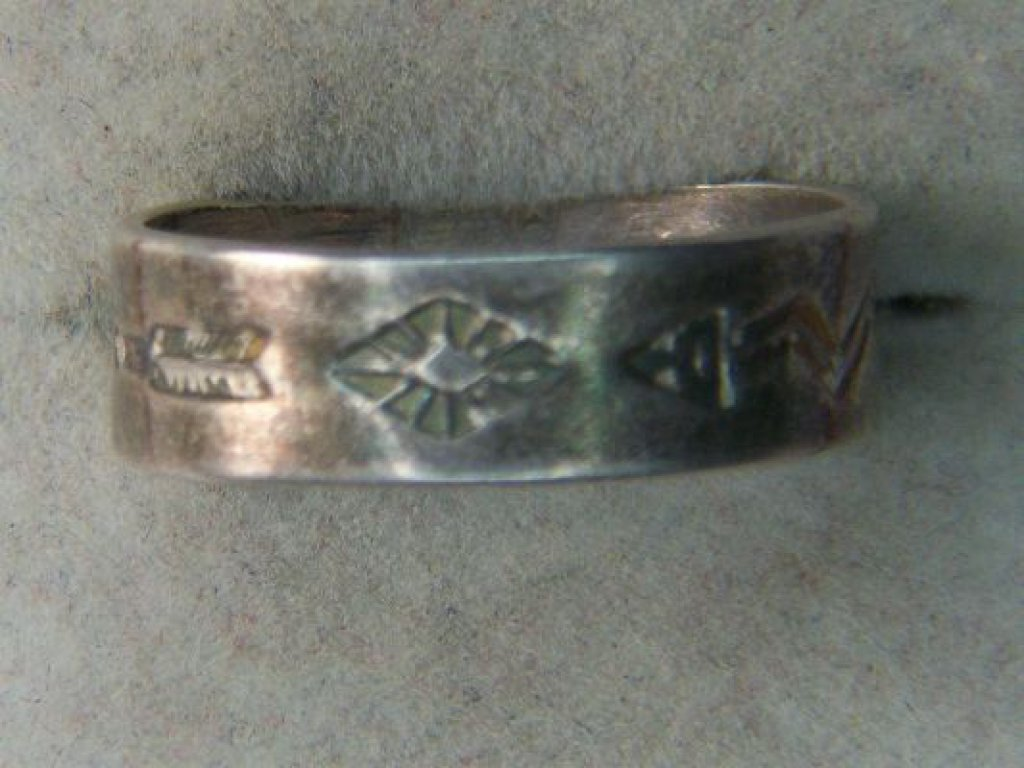 .925 Unisex Native American Band Signed T6 With Etched Arrows