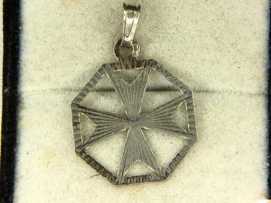 .925 Sterling Silver Unisex Pendant
