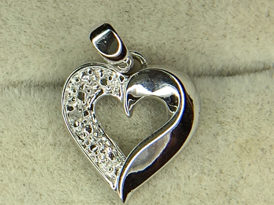 .925 Sterling Silver Ladies Heart Pendant