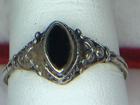 .925 Sterling Silver Ladies Black Onyx Ring