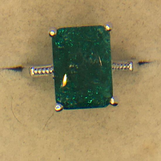 .925 Sterling Silver Ladies 6 Carat Emerald Ring