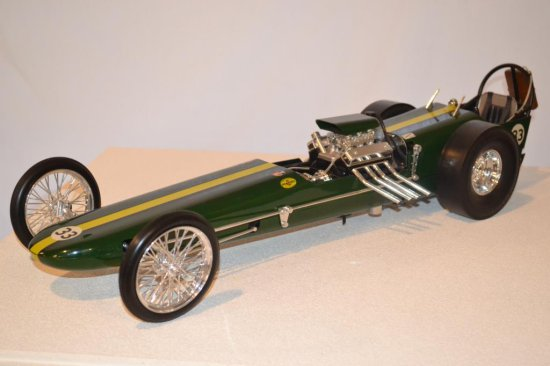 Model Car Green Dragster #33, 1-12th Scale