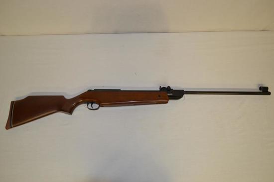 Pellet Gun. Diana Mdl 34 4.5-177 cal Pellet Rifle